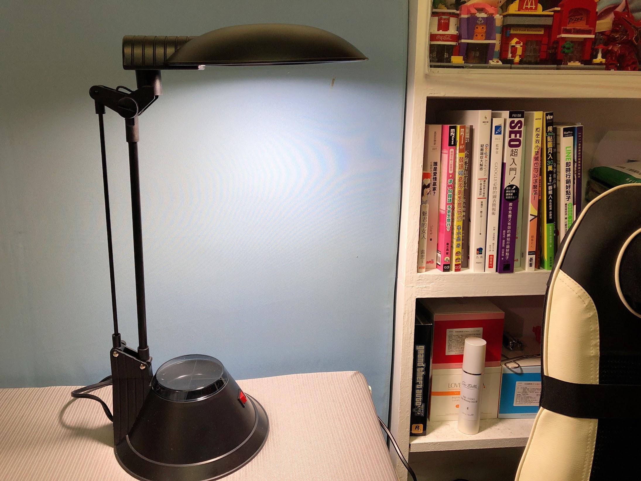 翔耀【ENLight LED檯燈】-亮度可遙控,工業風超節能LED護眼檯燈推薦 @秤瓶樂遊遊