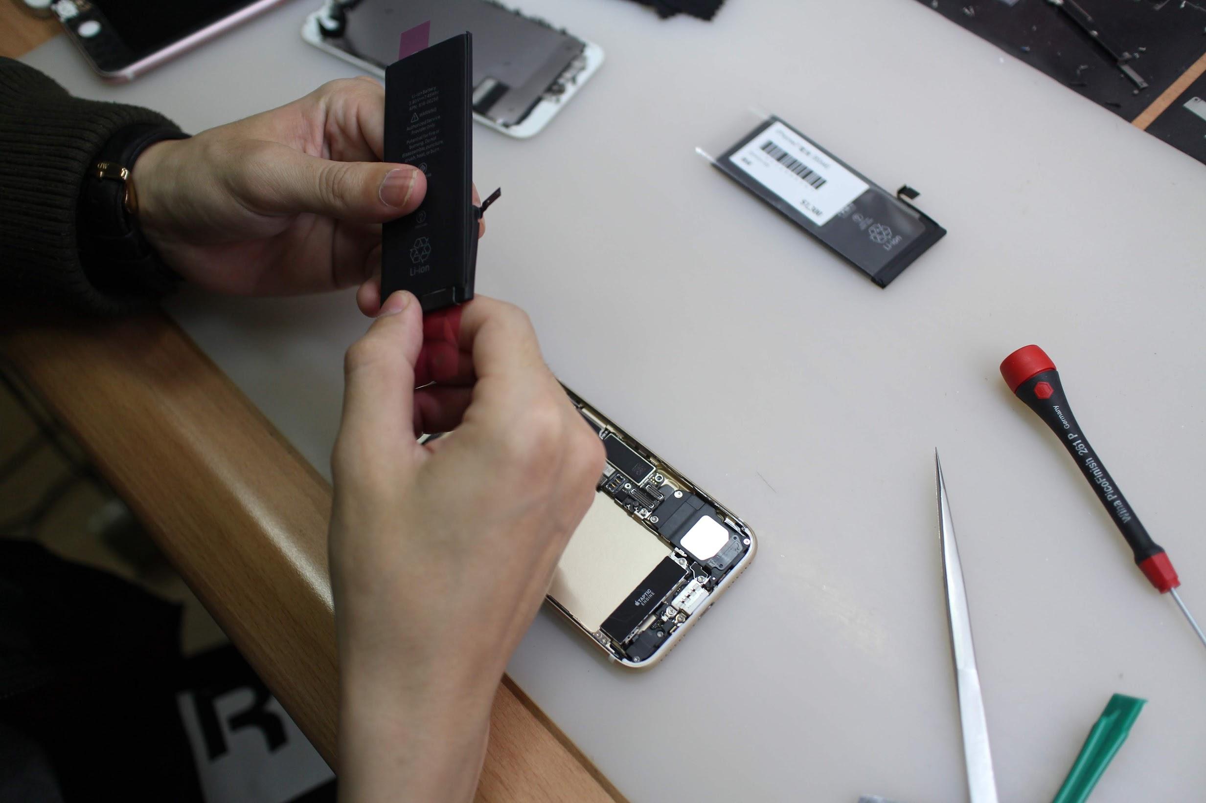【台中南屯】鼎威蘋果維修(五權店)-推薦iPhone更換電池只要10分鐘、專業iPhone維修/iPad維修推薦 @秤瓶樂遊遊