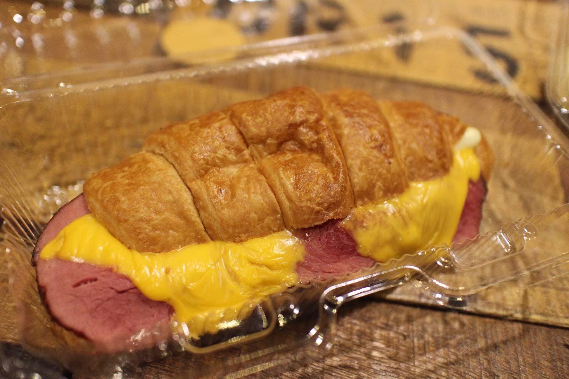 通化街平價下午茶Yolo's Cafe:起司牛肉可頌