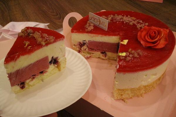 【母親節蛋糕推薦給你】多茄米拉-月之女神,酸甜洛神花與莓果慕斯相遇了 @秤瓶樂遊遊