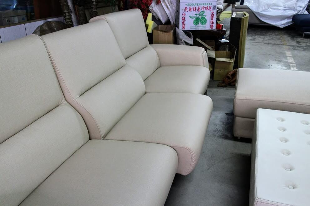 新莊沙發工廠體驗-喜悅沙發-台北客製化手工沙發訂製,我要買貓抓皮沙發 @秤瓶樂遊遊