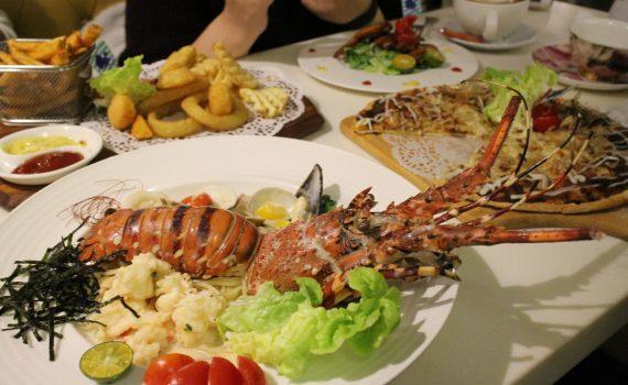台北西門町下午茶推薦-Oyami cafe,好吃龍蝦義大利麵出爐,整隻龍蝦很給力! @秤瓶樂遊遊