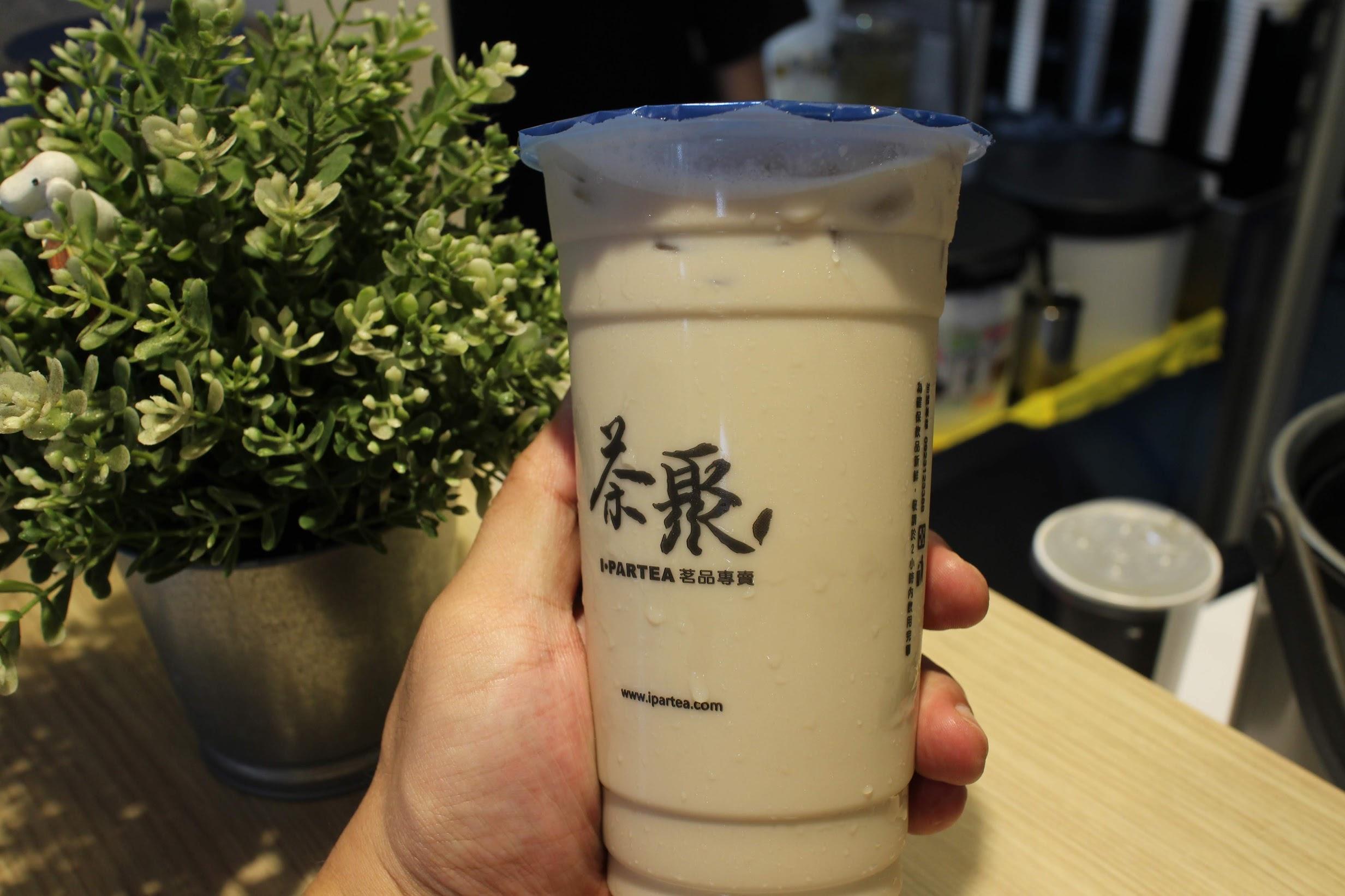 松江南京手搖飲料-茶聚 半熟奶茶、在一起奶茶、黃金芯芽好喝無糖茶推薦(台北長春店) @秤瓶樂遊遊