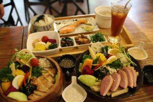 美食推薦!宜蘭輕食餐廳【莎菈菈】用智能活氧機清洗蔬果的沙拉定食(木盆沙拉)美味好吃又健康! @秤秤樂遊遊