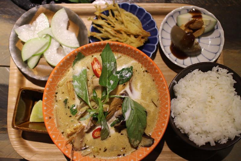台北東區-忠孝敦化捷運站泰式料理餐酒館推薦!美味又正宗的泰國菜讓人欲罷不能,真的是泰好吃了 @秤瓶樂遊遊